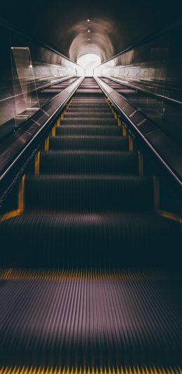 黑暗的地铁