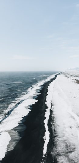 白雪皑皑的雪山和海边风景手机壁纸图片