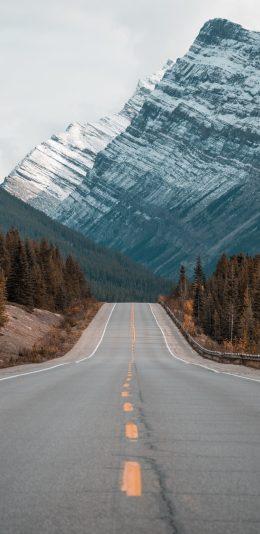 雪山和公路风景手机壁纸