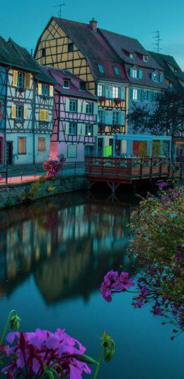 彩色的房子和花4K手机壁纸