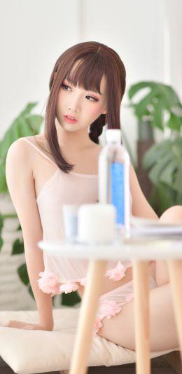 性感齐刘海美少女私房写真